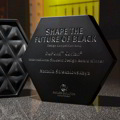 "Colori scuri per il design creativo di ""Shape The Future of Black"""