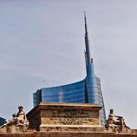 Piano alto, vista Duomo. Due stagioni di torri milanesi