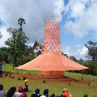 Warka Water, l'albero che produce acqua di Arturo Vittori vince lo Zumtobel Group Award