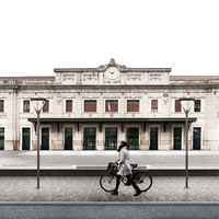 Il progetto di Colombo e Molteni trasforma la piazza della stazione di Belluno in uno spazio fruibile, aperto e flessibile