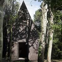 Il Padiglione della Santa Sede alla Biennale: alla scoperta delle 10 cappelle realizzate sull'isola di San Giorgio Maggiore