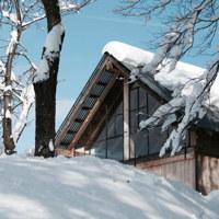 """Sulle Alpi Liguri il """"Cabanon"""" sperimentale di Officina82 preserva le antiche tecniche costruttive"""