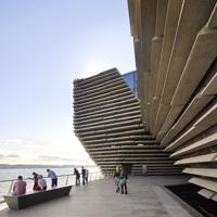 V&A Dundee, in Scozia apre il museo-vascello firmato Kengo Kuma