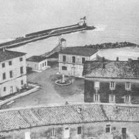 Piazza Orsino Orsini, la porta del mare di Castiglione della Pescaia