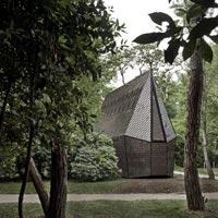 Riapre il bosco con le Vatican Chapels della 16a Biennale di Architettura a Venezia