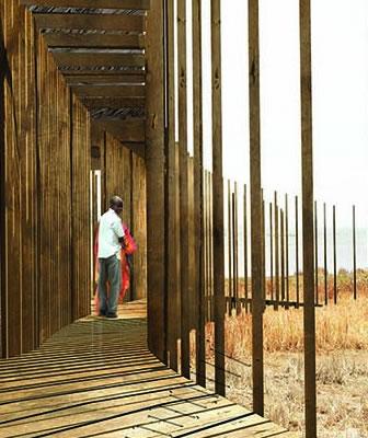 """Kaira Looro Competition Sacred Architecture. Vince il progetto polacco che abbraccia la cappella con """"lame"""" di palme"""