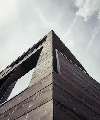 Raffica di premi dall'estero per la villa tra le Dolomiti dello studio altoatesino Perathoner Architects